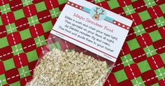 Looking for a new Christmas Eve tradition? Magic reindeer food is easy to make - bird safe. Use these cute printables and reindeer food recipe this holiday! Christmas Bazaar Crafts, Christmas Food Gifts, Christmas Games, Christmas Activities, Christmas Candy, Holiday Crafts, Holiday Fun, Christmas 2015, Christmas Recipes
