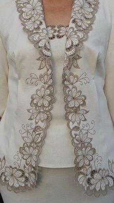 44 Best Ideas for embroidery blouse designs cutwork Kurti Embroidery Design, Cutwork Embroidery, Embroidery Fashion, Hand Embroidery Patterns, Embroidery Neck Designs, Embroidery Dress, Sewing Patterns, Mode Russe, Batik Dress