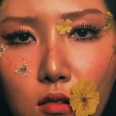 Mamamoo, Bts Eyes, Floral Drawing, Face Reference, Aesthetic Gif, Art Sketchbook, K Idols, Korean Girl Groups, Pretty People