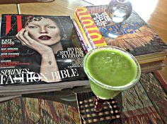 Hey fellow green smoothie lovers, this sweet and mellow green smoothie is one of my faves.