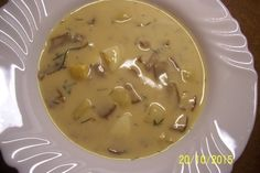 Krémová kulajda s houbami 1, Kuchaři do domu, foto: archiv www.kucharidodomu.cz Czech Recipes, Cheeseburger Chowder, Recipies, Food And Drink, Yummy Food, Baking, Sexy, Hampers, Diet