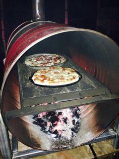 Resultado de imagen para drum oven #outdoorwood Pizza Oven Outdoor, Outdoor Cooking, Brick Oven Outdoor, Outdoor Fire, Bbq Grill, Grilling, Oven Diy, Four A Pizza, Wood Fired Oven