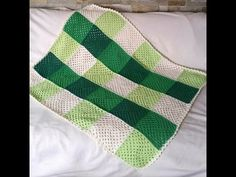 How to crochet a Patchwork Blanket - Granny Square blanket by BerlinCrochet - YouTube