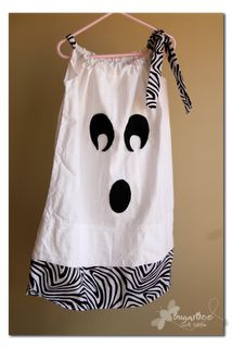 Ghost Costume/Outfit: Pillowcase Ghost Dress