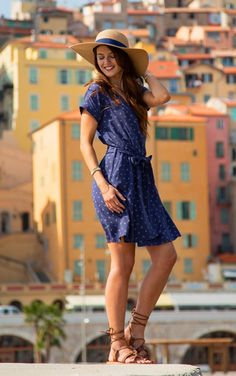 #terreetmer #nice #frenchriviera French Riviera, Summer Dresses, Casual, Fashion, Surf And Turf, Dress, Summer Sundresses, Moda, Sundresses