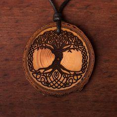 Baum des Lebens keltisch - Ketten Holzschmuck aus Naturholz / Anhänger Diy Schmuck, Wood Burning, Tattoos, Projects, Accessories, Celtic Tree Of Life, Flower Of Life, Presents For Mom, Amulets