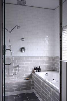 Fabulous Modern Bathtub Ideas for Modern Bathroom Remodel - Homeadzki Website Modern Bathtub, Modern Bathroom, Small Bathroom, Serene Bathroom, Tub To Shower Remodel, Japanese Bathroom, Small Showers, Grey Bathrooms, Bathroom Renovations
