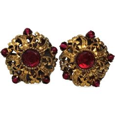 Vintage 1970 CHANEL Gripoix Rococo Filigree Earrings ($415) ❤ liked on Polyvore featuring jewelry, earrings, stud, vintage jewellery, vintage jewelry, filigree jewelry, antique gold earrings and earrings jewelry
