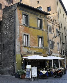 Hosteria La Piccola Cuccagna / Situated just south of Piazza Navona on Via della Cuccagna.