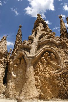 Postman Cheval's Ideal Palace - Palais idéal, Ferdinand Cheval