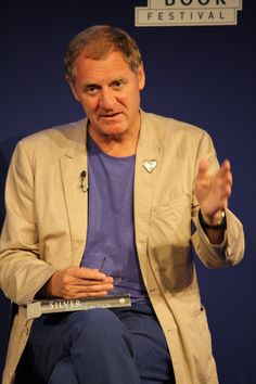 Andrew Motion at the Edinburgh International Book Festival. He is just one of the many living literary legends appearing at the festival this year: http://beta.anobii.com/topic/literary-legends-edinburgh-international-book-festival