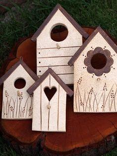 Keramická dílna Hliněnka – Hobbies paining body for kids and adult Clay Houses, Ceramic Houses, Ceramic Birds, Cool Wood Projects, Clay Projects, Home Crafts, Diy And Crafts, Wooden Cutouts, Pottery Sculpture