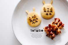 Make breakfast cute with these fat and fluffy buttermilk Totoro pancakes made with a cookie cutter.