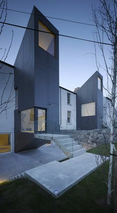 Houses in Castlewood Avenue, by ODOS Architects.