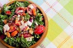 Weekend Glow #Kale #Salad - Kale is said to be a 'beauty' vegetable because it improves skin tone, complexion, and gives you a great glow. #vegan #superfoods