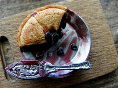 Blueberry pie 1:12 Kim Saulter