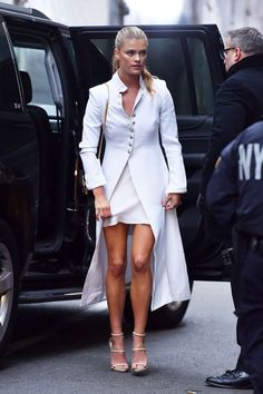 Nina Agdal: Arrives at the Batman v Superman Dawn of Justice Premiere -03 - GotCeleb - Celebrity Fashion Trends