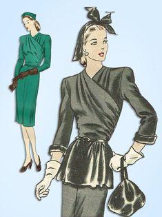 1940s Original Vintage Vogue Sewing Pattern 5256 Misses WWII Dinner Dress Sz 32B