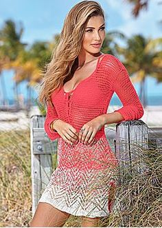Colorful, Comfortable Styles Perfect For Your Tropical Destination
