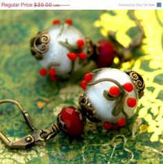replicate the lampworked  Christmas Holly Berry  Beads