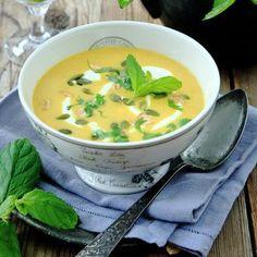 Pumpa, curry, chili och jordnötter ger en smakrik soppa.