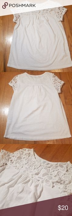 99b9343887f Crown and Ivy Cap Sleeve Blouse Crown and Ivy Cap Sleeve Blouse White with  Thick Lace Flower Detail Cotton X-SMALL Previously Worn Length - 23