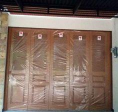 Pintu garasi di semarang