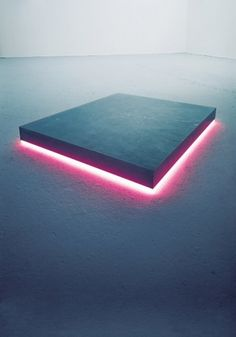 Creative Art, Installation, Sculpture, Bzzzzzzzzz, and Geometry image ideas & inspiration on Designspiration Art Minimaliste, Instalation Art, Light And Space, Stage Design, Neon Lighting, Light Art, Light And Shadow, Altar, Sculpture Art