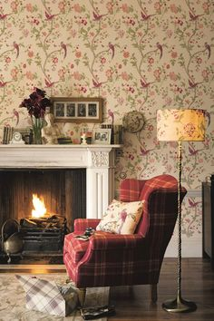 Glorious Laura Ashley Summer Palace wallpaper design.