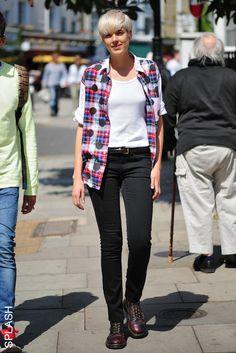 Agyness Deyn Style - Fashion Pictures of Agyness Deyn - Elle 11