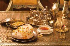 渋谷・原宿・日暮里にあるカフェでほっと一息つくなら、おいしい紅茶が飲めるお店はいかが?まるでインドの邸宅に招かれたような雰囲気たっぷりの紅茶&カレー専門店をはじめ、長く愛される紅茶専門店をご紹介。