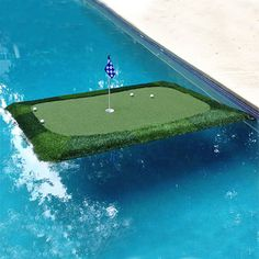 """6' x 8' Floating Golf Green """"Tour"""" - Floating Golf Green"""