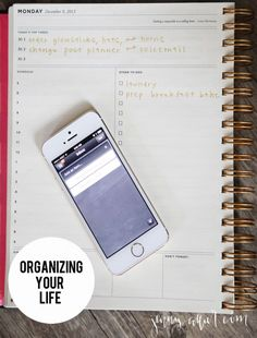 Tips to organizing your life with calendars & to-do lists.