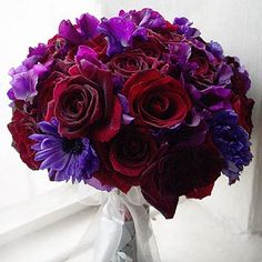 Another pinner says: Everyone thought I was crazy for liking red and purple. :]