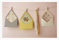 DIY with Nicole: Envelope Liners – Southern Weddings - DIY Buch Basteln Wallpaper Crafts, Wallpaper Samples, Wallpaper Ideas, Weekend Projects, Diy Projects, Diy Envelope Liners, Envelope Art, Bridal Shower Advice, Wallpaper Wedding