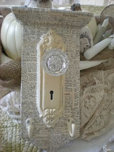 <3  I just have to make this.  I have an old doorknob and this would be easy.