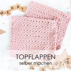 Crochet pattern: Crochet potholders with a star pattern - Homemade potholders are a great DIY gift for Christmas # crochet # potholders Informations About Anleitung Topflappen häkeln Pin You can easil Homemade Potholders, Star Patterns, Crochet Patterns, Sewing Dress, Sewing Diy, Crochet Video, Free Crochet, Crochet Potholders, Crochet Amigurumi