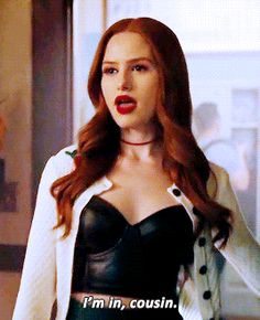 forget it. it's riverdale. Riverdale Gifs, Riverdale Cast, Cheryl Blossom Riverdale, Riverdale Cheryl, Calin Couple, Cheryl Blossom Aesthetic, Betty & Veronica, Riverdale Fashion, Cami Mendes