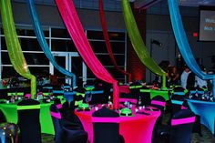 Neon theme for a sweet 16 birthday party Neon Birthday, Sweet 16 Birthday, Birthday Ideas, Surprise Birthday, 16th Birthday, Birthday Parties, Neon Sweet 16, Sweet 15, Glow Party Decorations