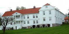 Borregaard hovedgård, Oscar Pedersens vei 45, 1721 Sarpsborg, Norway Villas, Norway, Mansions, House Styles, Travel, Home, Viajes, Manor Houses, Villa