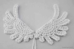 Crochet Amigurumi Patterns How to Crochet Angel Wings Crochet Ornaments, Christmas Crochet Patterns, Crochet Snowflakes, Crochet Crafts, Crochet Projects, Crochet Christmas, Angel Ornaments, Dishcloth Knitting Patterns, Crochet Toys Patterns