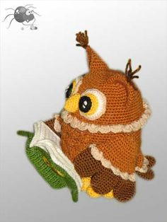 Owl and little spider. Love.