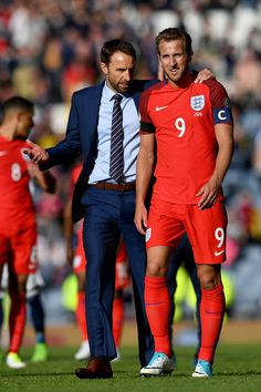 Gareth Southgate, Manager of England and Harry Kane of England speak to each other after the FIFA 2018 World Cup Qualifier between Scotland and England at Hampden Park National Stadium on June 10, 2017 in Glasgow, Scotland.