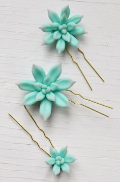 Worn together or individually, these lovely hair accessories bring the natural beauty of succulents to any occasion. For a special bridal accessory, or to add quirky beauty to your party look, this se