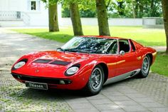 Looking for the Lamborghini Miura of your dreams? There are currently 9 Lamborghini Miura cars as well as thousands of other iconic classic and collectors cars for sale on Classic Driver. Lamborghini Miura, Porsche, Audi, Ferrari, Maserati, Mercedes Benz, Bmw Classic Cars, Jaguar Xk, Vintage Cars