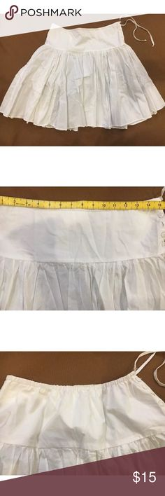 EUC Vince White Cotton Summer Beach Skirt Pleated EUC Vince White Cotton Summer Beach Skirt $110 Pleated. Pretty thin IMO. I wore it this way a few times 😳 but most as a beach cover up skirt. Bought at Barneys in NY. Vince Skirts
