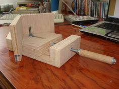 Corner Jig - by Rotceh @ LumberJocks.com ~ woodworking community