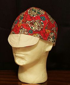 A sugar skulls welding cap med crown