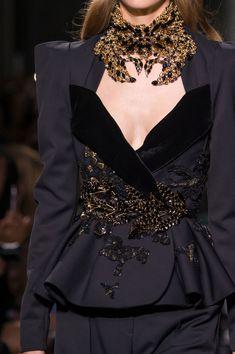 Voguerois : Foto Couture Fashion, Runway Fashion, High Fashion, Fashion Show, Womens Fashion, Net Fashion, Elie Saab Couture, Couture Details, Fashion Details