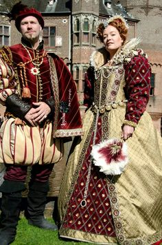 Queen Elizabeth and Robert Dudley.  Costumes by Angela Mombers,  picture by Louisa de Keizer